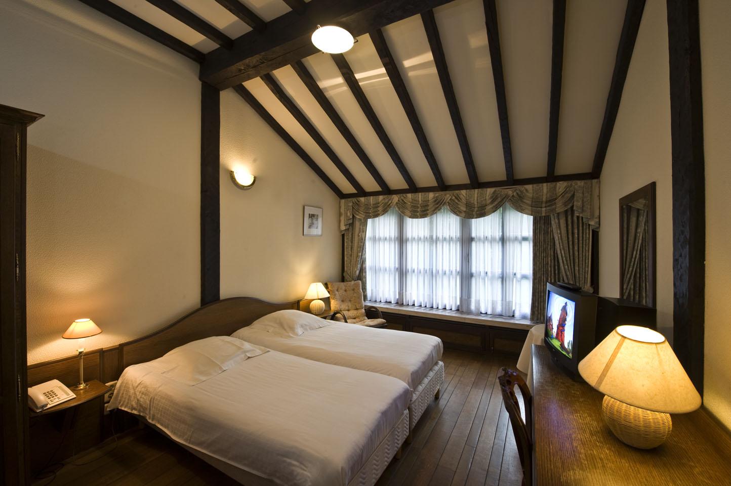 Luxe kamer a in het midden van de antwerpse kempen in hotel de residentie - Hoe aparte een kamer in twee ...